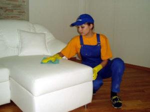 Чистка мягкой мебели на дому