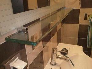 Установка полочки в ванной